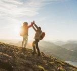 Австрия, Мергут и Черинг достигли горной вершины — стоковое фото