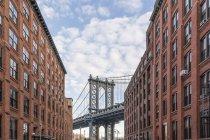 USA, New York, Manhattan Bridge di giorno — Foto stock