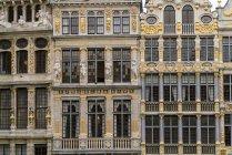 Бельгія, Брюссель, Гроте Маркт, частина фасадів — стокове фото