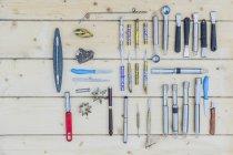 Variedade de ferramentas de escultura — Fotografia de Stock