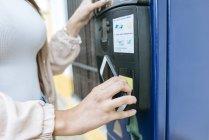 Испания, Паркометр, оплата со смартфона — стоковое фото