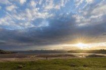 Uk, schottland, schottisches hochland, loch ewe, poolewe, firemore beach, sunrise — Stockfoto