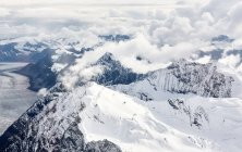 USA, Alaska, Denali-Nationalpark, Luftaufnahme von Bergen und Gletschern — Stockfoto