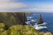Royaume-Uni, Écosse, Caithness, Côte de Duncansby Head, Duncansby Stacks — Photo de stock