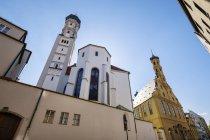 Alemania, Baviera, Augsburgo, Iglesia de la Santa Cruz - foto de stock