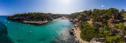 Espanha, Ilhas Baleares, Maiorca, Vista aérea de Cala Llombards — Fotografia de Stock