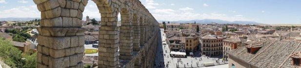 Espanha, Castela e Leão, Segóvia, Vista panorâmica de Segóvia e aqueduto — Fotografia de Stock