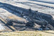 Deutschland, Tagebau Garzweiler, gigantischer Schaufelradbagger — Stockfoto