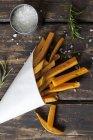 Солодкий картопля фрі з rosmary — стокове фото