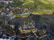Indonesia, Bali, Veduta aerea del tempio Tanah Lot — Foto stock