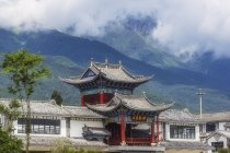 Chine, Yunnan, Dali, pagode dans les montagnes — Photo de stock