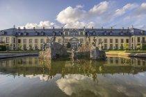 Німеччина, Нижня Саксонія, Ганновер, Herrenhaeuser Gaerten, фонтан Нептун і Галері, Оранґенпартерр — стокове фото