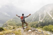 Италия, Масса, прогулки и наслаждение видом на Апуане — стоковое фото