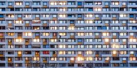 Germania, Stoccarda, Hallschlag, vista parziale della torre dell'appartamento — Foto stock