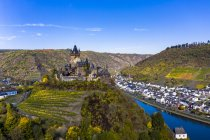 Germany, Rhineland-Palatinate, Cochem, Moselle river, Cochem Imperial castle — Stock Photo