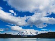 Cile, Patagonia, Magallanes y la Antartica Chilena, Parco Nazionale Torres del Paine, Cuernos del Paine, Laguna Amarga — Foto stock