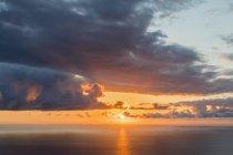 Reunión, Costa Oeste, Saint-Leu, Puesta del sol sobre el mar - foto de stock