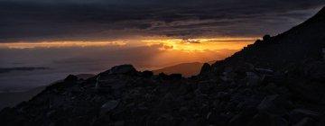Russia, Upper Baksan Valley, Caucasus, Mount Elbrus at sunrise — Stock Photo