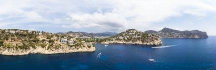 Spagna, Maiorca, Veduta aerea di Cala LLamp e Cala Marmassen, Punta des Mila — Foto stock