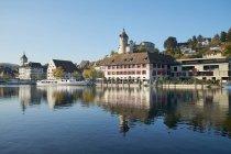 Suiza, cantón de Schaffhausen, Schaffhausen, casco antiguo, castillo de Munot y río Rin - foto de stock