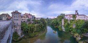 Italy, Friuli-Venezia Giulia, Cividale del Friuli, Devil 's Bridge, Natisone river — стоковое фото