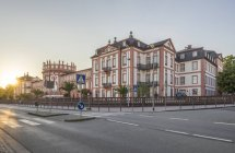 Germany, Hesse, Wiesbaden, Biebrich Palace in the evening — Stock Photo