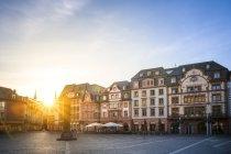 Alemanha, Rhineland-Palatinate, Mainz, cidade velha, quadrado da Catedral de encontro ao sol — Fotografia de Stock