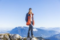 Germany, Garmisch-Partenkirchen, Alpspitze, Osterfelderkopf, female hiker — Stock Photo