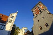 Alemania, Baviera, Augsburgo, Puerta Roja y torres de agua - foto de stock