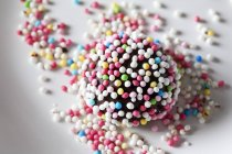 Fondant confectionery with sugar beads — Stock Photo
