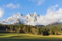 Autriche, Tyrol, Going am Wilden Kaiser, Wilder Kaiser, Montagnes Kaiser — Photo de stock