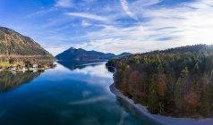 Germania, Baviera, Alta Baviera, Lago Walchen, Kochel am See la sera — Foto stock