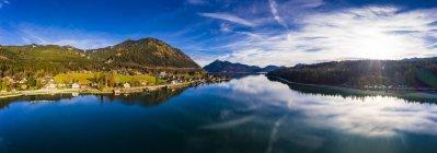 Германия, Бавария, Уппер Бавария, озеро Вальхен, Кохтла-Ярве вечером — стоковое фото
