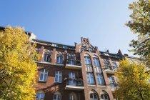 Germania, Berlin-Mitte, storica casa plurifamiliare ristrutturata — Foto stock