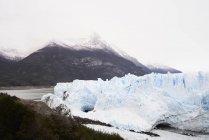 Аргентина, Патагония, Разрушенный ледник в леднике Перито-Морено — стоковое фото