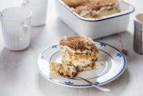 Tiramisu à la crème de noix de coco et de noix de cajou, ladyfingers végétaliens maison — Photo de stock