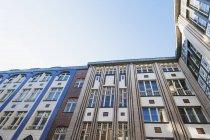 Germania, Berlino, facciate di un cortile di Hackesche Hoefe — Foto stock