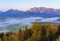 Deutschland, oberbayern, werdenfelser land, wettersteingebirge, blick von krepelschrofen bei wallgau — Stockfoto