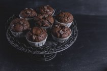Chocolate muffins on cake stand — Foto stock