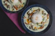 Tom ka gai, thailändische Suppe mit Huhn — Stockfoto