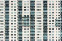 USA, Florida, Miami, Venetian Islands, facade of an apartment tower with balconies — Stock Photo