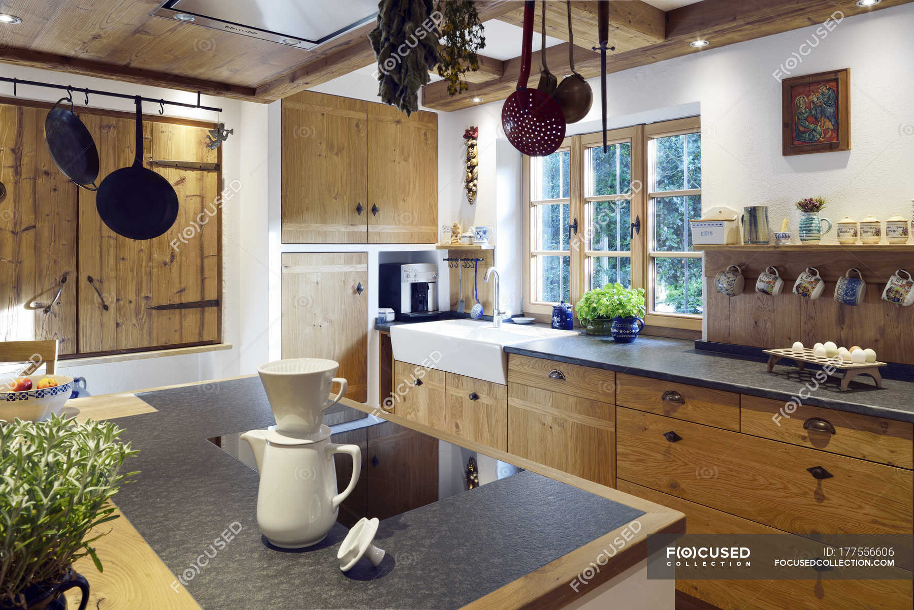 Rustic Country Style Home With Kitchen Island Indoors