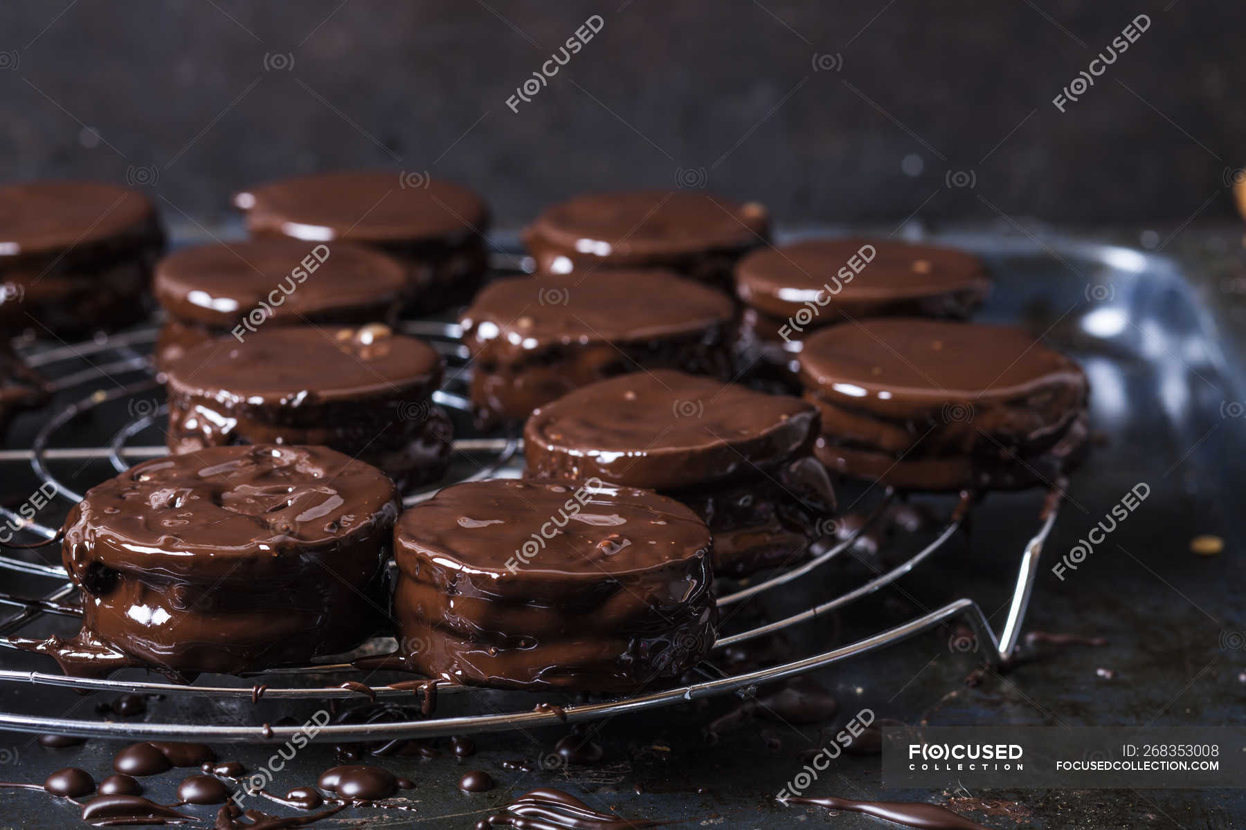 Wagon Wheel Cookies Drying On Cooling Grid Food Sweets Stock Photo 268353008