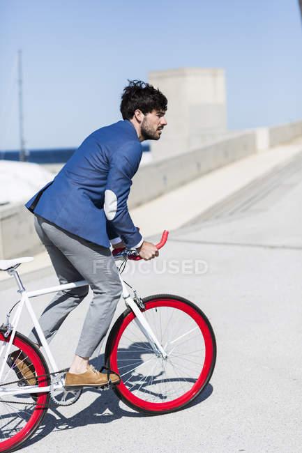 Geschäftsmann Reiten Fixie Fahrrad — Stockfoto