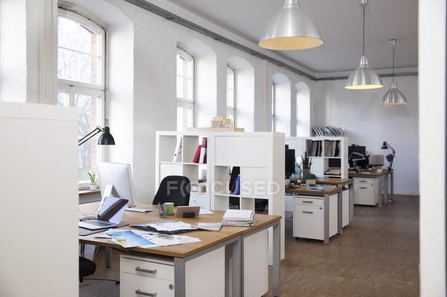 Bureau informel moderne — Photo de stock