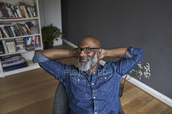 Man relaxed at home — Stock Photo