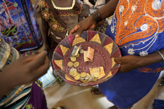Burkina Faso, collection during a mass — Stock Photo