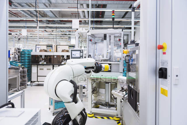 Assembly robot in factory — Stock Photo