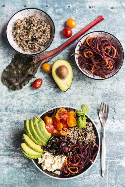 Ciotola di pranzo di quinoa tricolore — Foto stock