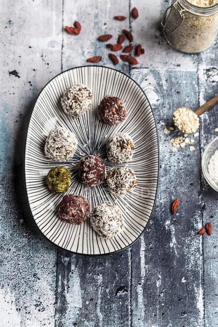 Блисс шарики на блюде — стоковое фото